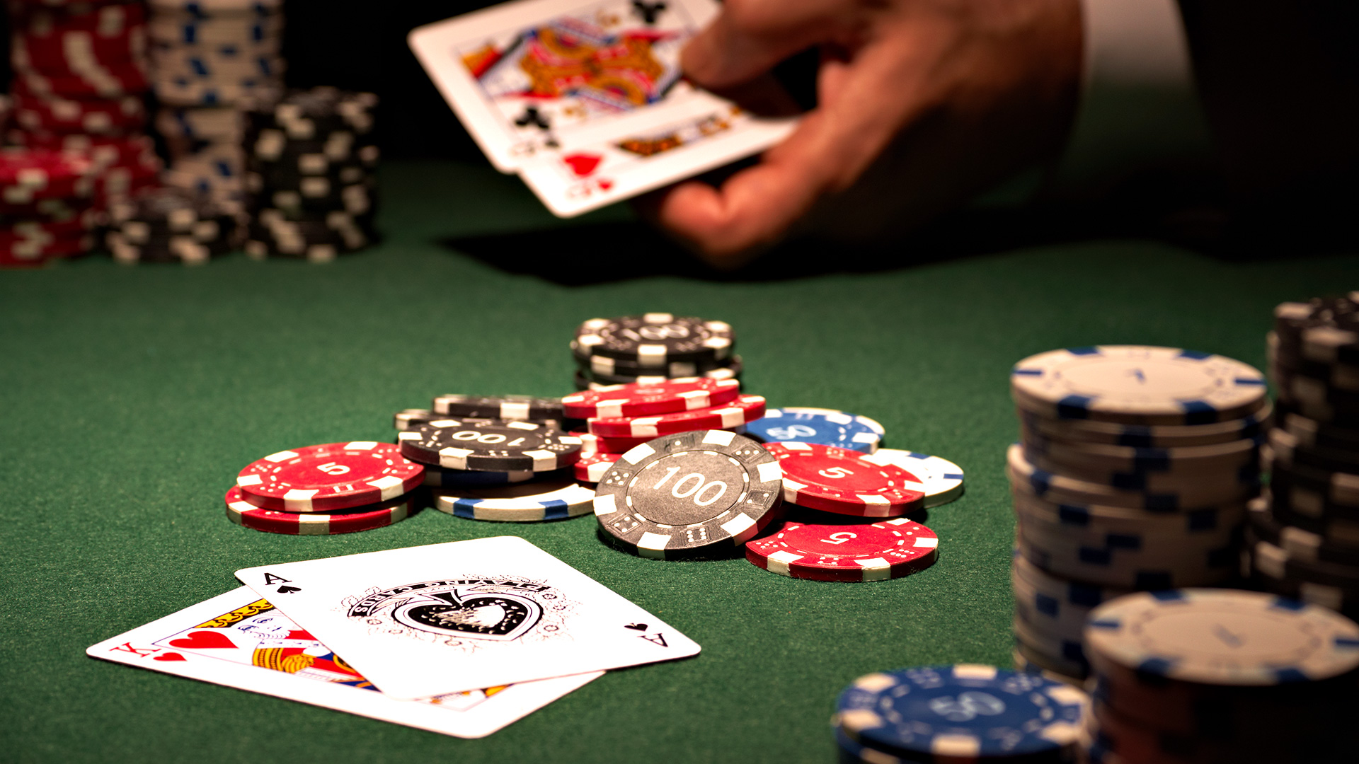 The Capability To Deal With Online Poker As A Service